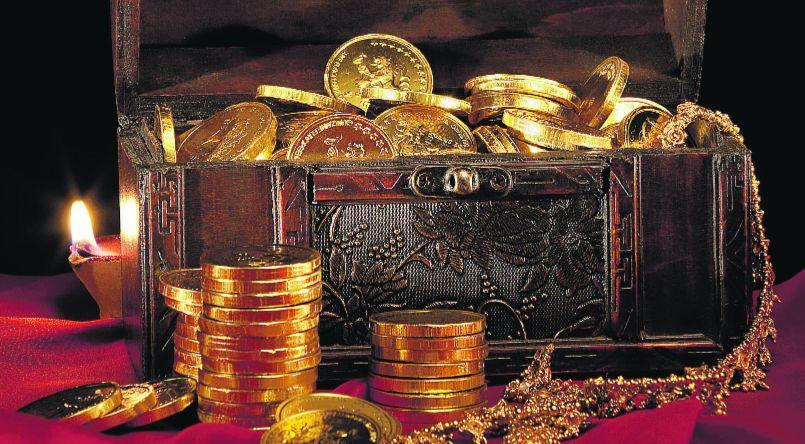 Schatzkiste mit Goldmünzen