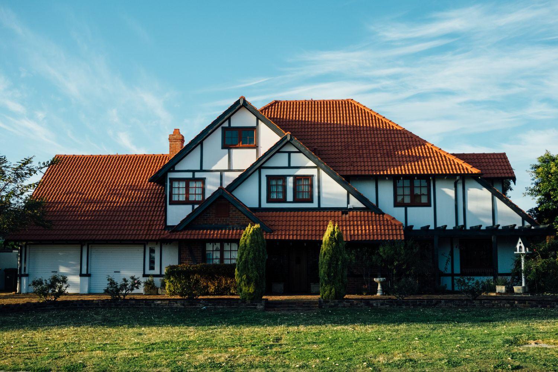 Großes freistehendes Haus auf dem Land
