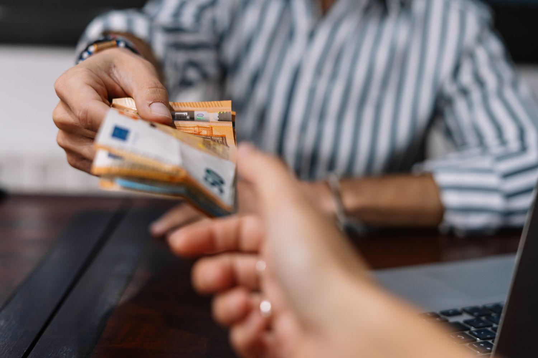 Verleihen von Geld; Thema: Mikrofinanz